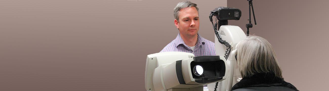 Eye Examination Oakville Optometry Doctor Amos
