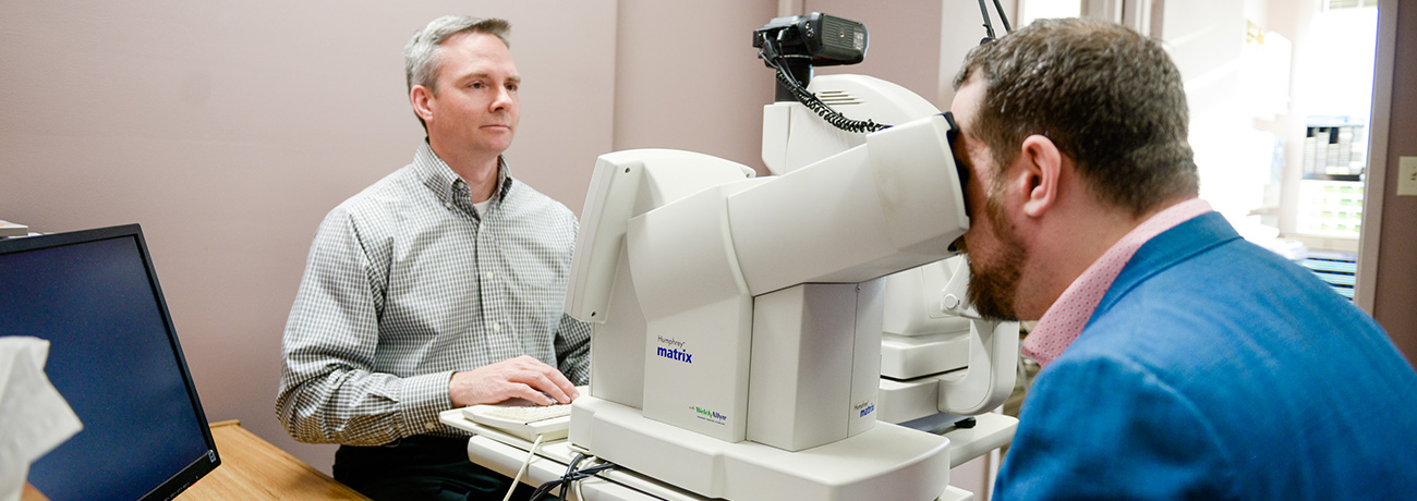 Oakville Optometry Patient with Doctor Perry Amos